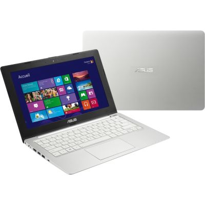 Portable ASUS X201E-KX030H