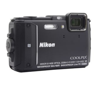 Nikon AW130 noir