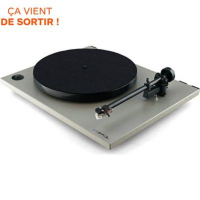 platine vinyle cd rega chez boulanger. Black Bedroom Furniture Sets. Home Design Ideas
