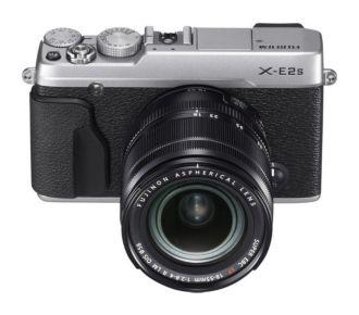 Fuji Film X-E2S Silver + 18-55