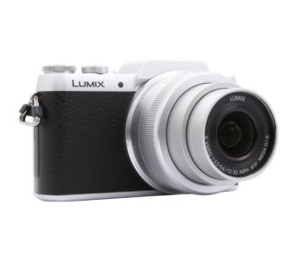 Panasonic DMC-GF7 silver + 12-32mm