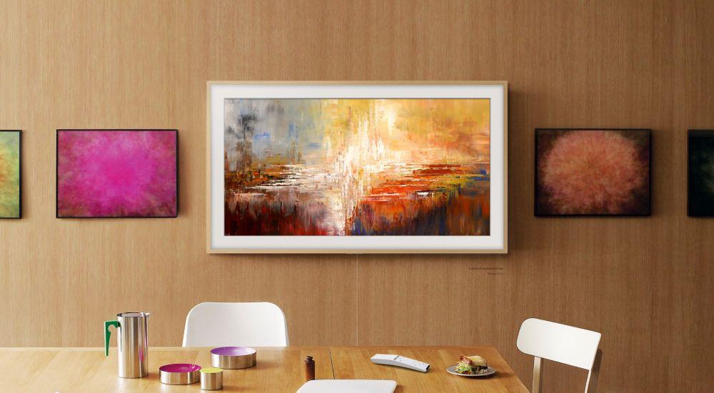 TV Samsung The Frame suspendu à laccroche murale