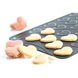Plaque de cuisson Mastrad  macarons coeurs 30X40X1 cm