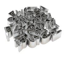 Emporte pièces Lily Cook  inox alphabet x26 m18