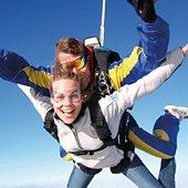 Coffret cadeau Smartbox Saut en parachute en tandem pour 2 avec