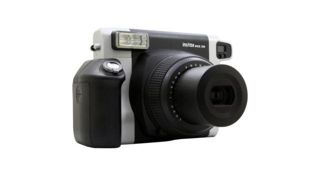 fuji instax wide 300 appareil photo compact boulanger. Black Bedroom Furniture Sets. Home Design Ideas