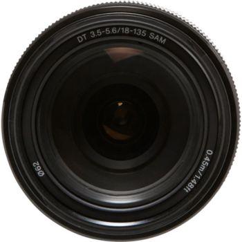 Sony SAL 18-135mm f/3.5- 5.6 DT