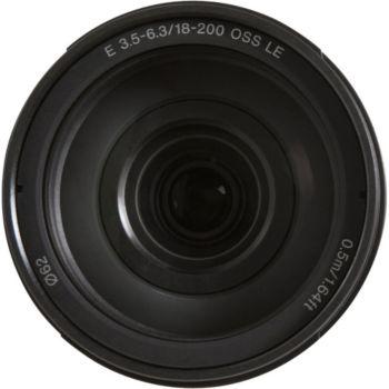 Sony SEL E 18-200mm f3.5-6.3 OSS LE Noir
